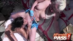 Sexy Lesbians In The Ghetto Sex Play Thumb