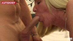 Sexy Amy is fucked by a big dick Thumb