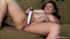 USAwives Busty Chubby Mature Solo Pussy Play Thumb