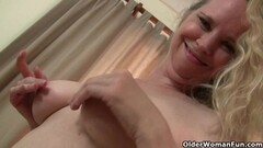 LadiesErotiC Amateur Mature Solo Masturbation Thumb