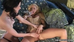 Gorgeous blonde MILF Austin gets oiled up for a hot fuck Thumb