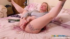 Tattooed mature masturbating Thumb