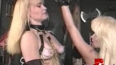 Submissive babe tormented by deviant dominatrix Thumb