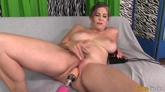 Screaming granny Jade Blissette loves our machine pounding her furry pussy Thumb