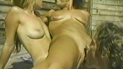 Wet Amateur threesome in the pool Thumb