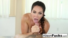 Babe Alison Tyler gives a sexy blow job Thumb
