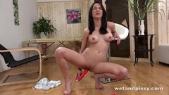 Piss loving amateur toys her pussy Thumb