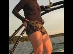 Hotwife with nice booty raps, raves and rides Thumb