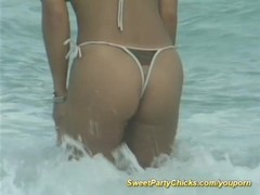 party chicks on the beach Thumb