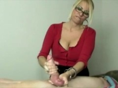 Milf gets turned on whille stroking his hard young cock Thumb