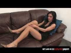 Brunette Screams With a Vibrator Thumb