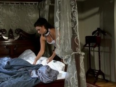 Man goes balls deep in his maid while his wife is away - Playvision Thumb