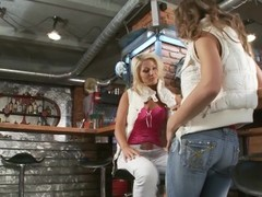 Tea and Mia are two barmaids that like to have fun together after work - Scene 1 - Playvision Thumb