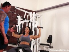 Hardcore sucking and fucking in the gym Thumb