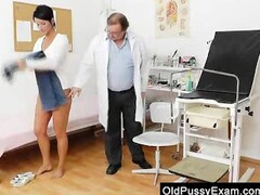 Brunettes madam vagina test Thumb