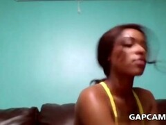 Black Girl Juicy toying on cam Thumb