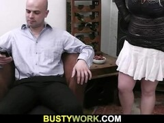 He is licking her fat pussy before fucking Thumb