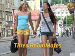 Lesbian threesome with lots off peeing Thumb