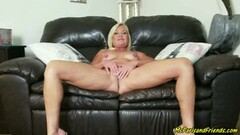 Sexy MS Paris Does Exactly What She Is Told Thumb