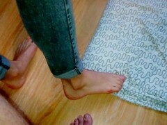 Great Footjob In Jeans On The Floor Thumb