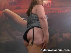 Latina milf Allison plays kinky games with clothespins Thumb