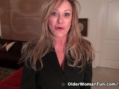American milf Sally Steel lets you enjoy her lady bits Thumb